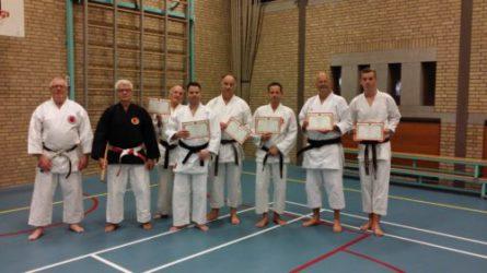 Uitreiking eerste Shin Hanbo Jutsu diploma's.